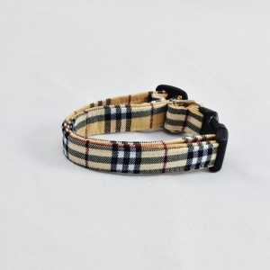 Furberry Plaid Dog Collar